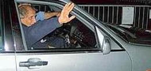 Adriano Celentano lascia il Millepini (foto Cipelletti)