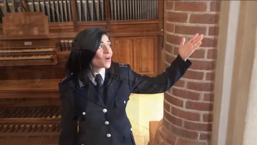La Polizia Penitenziaria di Milano canta Pregherò